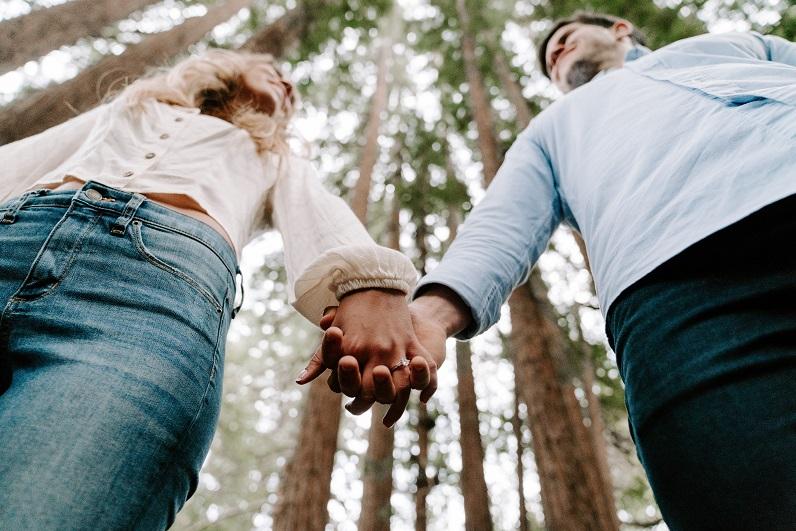 Kuva: Vuorovaikutuksen haasteet parisuhteessa - millaista ilmapiiriä hengitämme