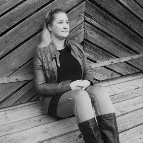 Profiilikuva: Kirsi Einola-Paavilainen