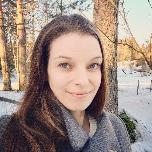 Profiilikuva: Julia Paakkunainen
